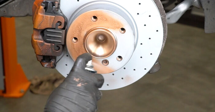 Schritt-für-Schritt-Anleitung zum selbstständigen Wechsel von BMW E82 2007 125i 3.0 Verschleißanzeige Bremsbeläge