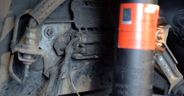 Wie schwer ist es, selbst zu reparieren: Verschleißanzeige Bremsbeläge BMW E82 120i 2.0 2006 Tausch - Downloaden Sie sich illustrierte Anleitungen