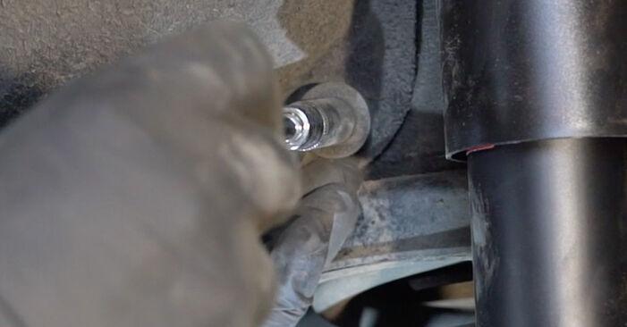 Bytt Alarmkontakt Bremsebeleggslitasje på BMW E82 2010 120d 2.0 alene