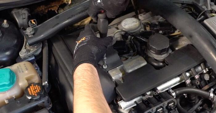 Zündkerzen Volvo V70 SW 2.4 T 2001 wechseln: Kostenlose Reparaturhandbücher