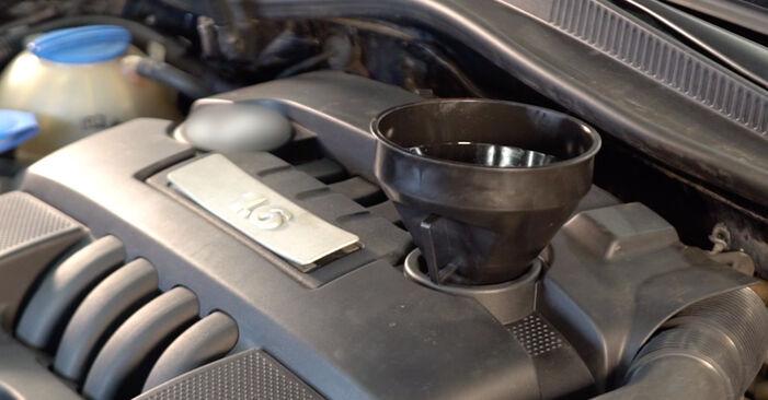 VW GOLF 2003 Oljni filter priročnik za zamenjavo s koraki
