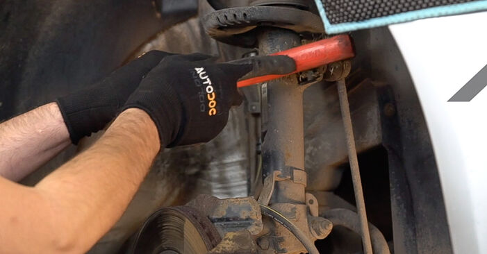 Replacing Shock Absorber on Skoda Fabia 6y5 1999 1.4 16V by yourself