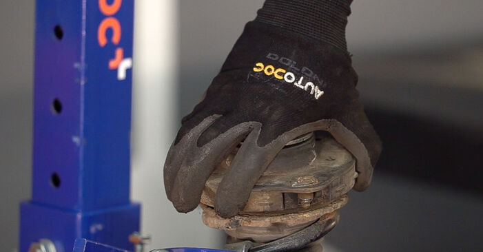 Stoßdämpfer Skoda Fabia 6y5 1.2 2001 wechseln: Kostenlose Reparaturhandbücher
