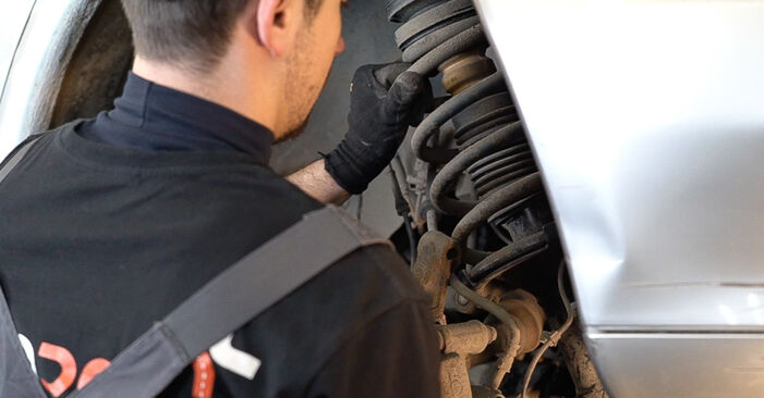 Podrobné odporúčania pre svojpomocnú výmenu Mercedes W638 Bus 2001 108 D 2.3 (638.164) Tlmič pruzenia