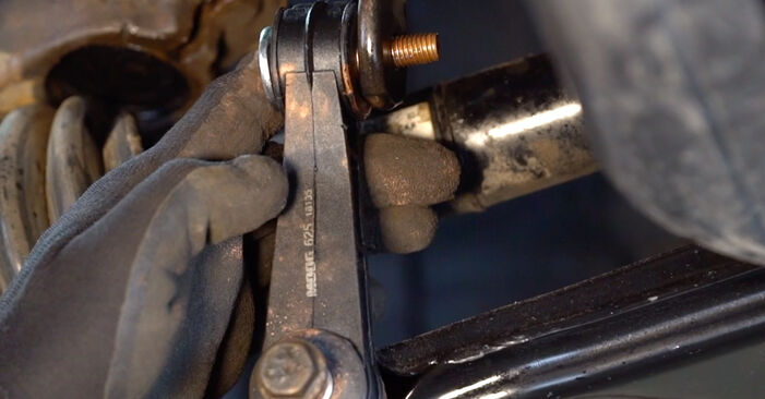 VW GOLF 1.6 16V Anti Roll Bar Links replacement: online guides and video tutorials