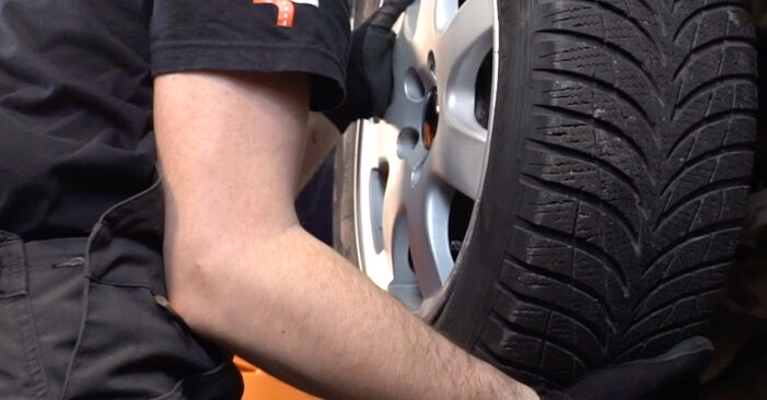 How to remove VOLVO V70 2.3 T5 2003 Anti Roll Bar Links - online easy-to-follow instructions