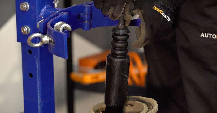 Wie schwer ist es, selbst zu reparieren: Federn Renault Kangoo kc01 1.9 dTi 2003 Tausch - Downloaden Sie sich illustrierte Anleitungen