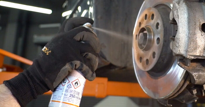 Recomendações passo a passo para a substituição de Golf 5 2009 2.0 TDI 16V Tirante da Barra Estabilizadora por si mesmo