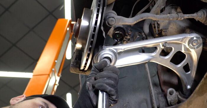 Išsamios BMW 3 Convertible (E46) 2003 323Ci 2.5 Spyruoklės keitimo rekomendacijos