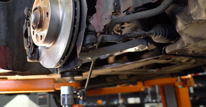 BMW 3 Convertible (E46) 320Ci 2.2 2000 Spyruoklės keitimas: nemokamos remonto instrukcijos