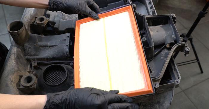 SEAT IBIZA 1.9 SDI Luftfilter ausbauen: Anweisungen und Video-Tutorials online