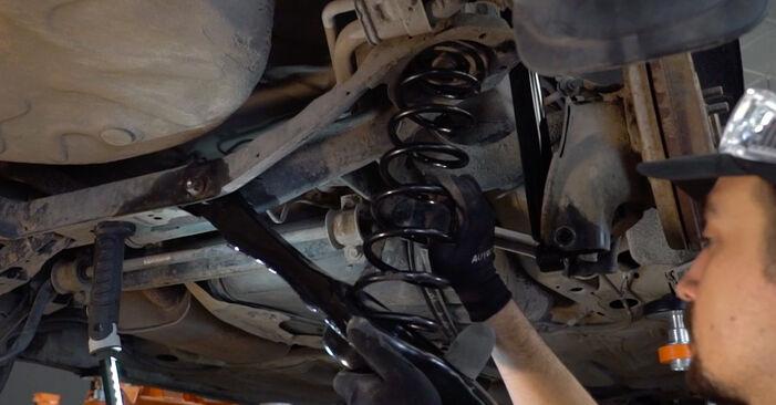 Wie man Federn beim Ford Focus mk2 Limousine 2004 wechselt - Gratis PDF- und Video-Tutorials