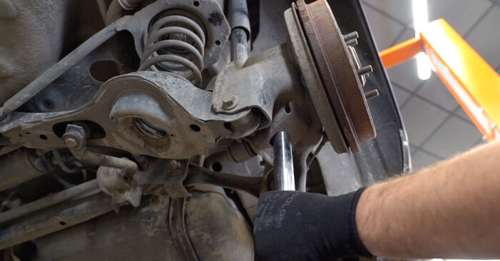 How to replace Springs on FORD Focus II Saloon (DB_, FCH, DH) 2009: download PDF manuals and video instructions