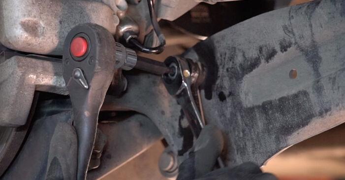 Koppelstange beim VW TOURAN 2.0 TDI 16V 2010 selber erneuern - DIY-Manual