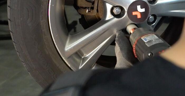 Как се сменя Свързваща щанга на LEXUS RX (MHU3_, GSU3_, MCU3_) 3.5 AWD 2006 самостоятелно