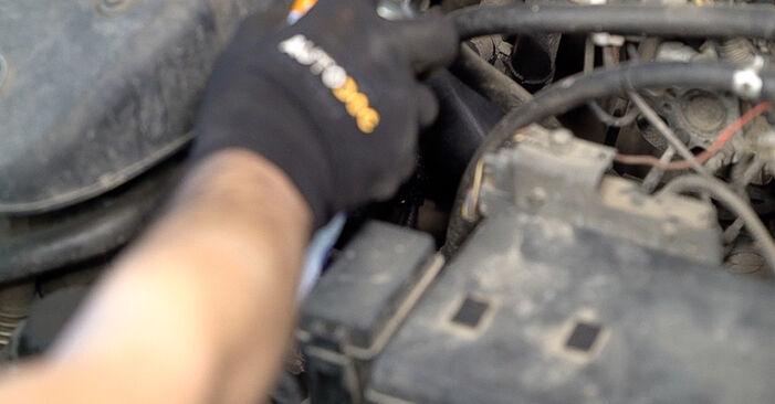 Колко време отнема смяната: Маслен филтър на Toyota Prado J120 2003 - информативен PDF наръчник