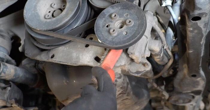 Jak dlouho trvá výměna: Klinovy zebrovany remen na autě Golf 3 1991 - informační PDF návod