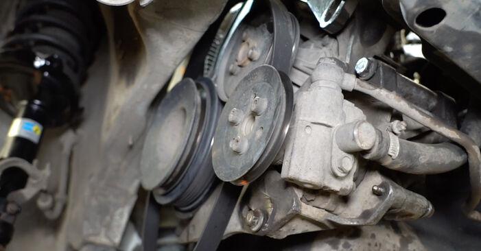 Tee se itse -vaihto: VW GOLF III (1H1) 1.8 1997 -auton Moniurahihna - online-opas