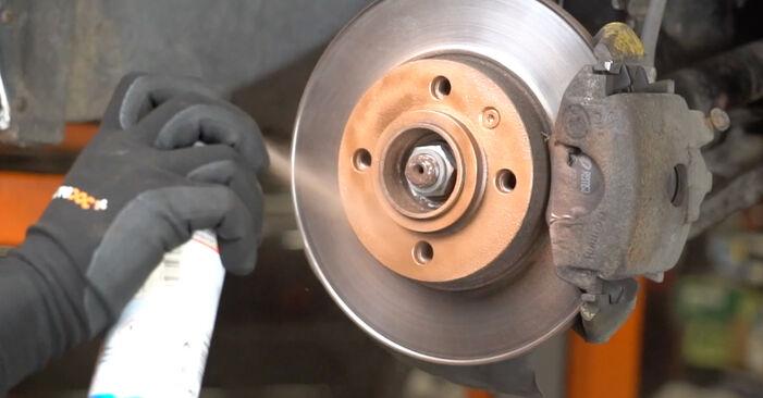 VW GOLF 1998 Klinovy zebrovany remen návod na výměnu, krok po kroku