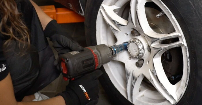 Replacing Brake Discs on Golf 3 1993 2.8 VR6 by yourself