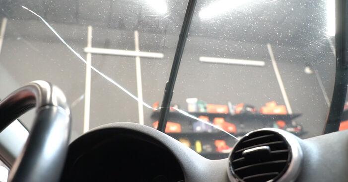 Hoe Ruitenwissers AUDI A3 Sportback (8PA) 2.0 TDI 16V 2004 vervangen – stap voor stap leidraden en video-tutorials
