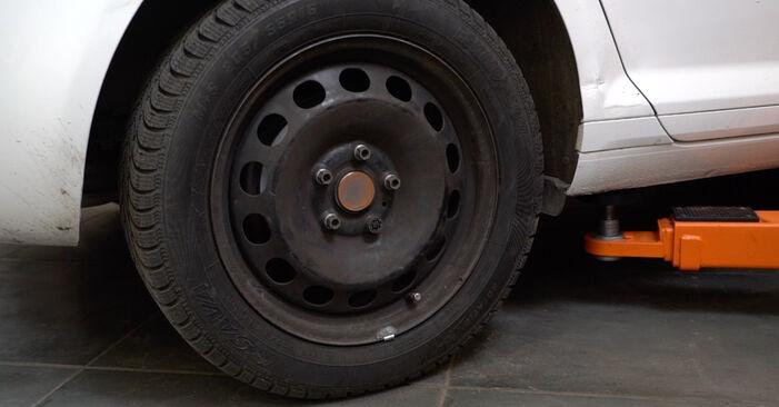 Tausch Tutorial Kraftstofffilter am AUDI A3 Sportback (8PA) 2005 wechselt - Tipps und Tricks