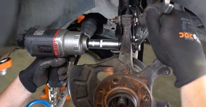 How to replace Wheel Bearing on VW GOLF III (1H1) 1996: download PDF manuals and video instructions