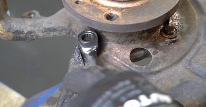 Wie man Radlager am VW GOLF III (1H1) 1995 ersetzt - Hinweise und Ratschläge