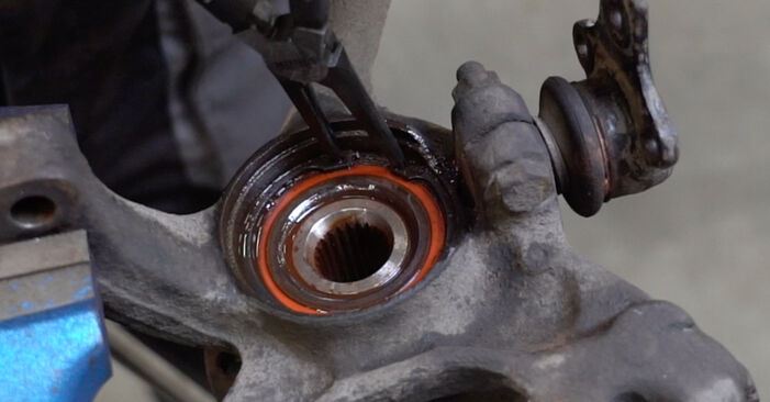How to change Wheel Bearing on Golf 3 1991 - free PDF and video manuals