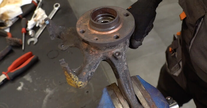 Step-by-step recommendations for DIY replacement Golf 3 1996 1.6 Wheel Bearing