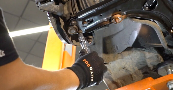 Changing of Wheel Bearing on Golf 3 1991 won't be an issue if you follow this illustrated step-by-step guide