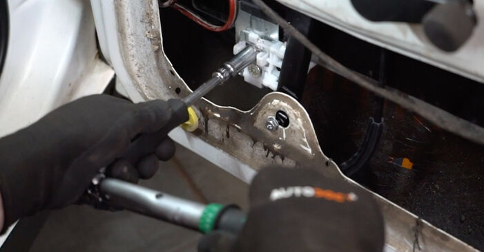 Wechseln Fensterheber am VW GOLF III (1H1) 1.9 TDI 1994 selber