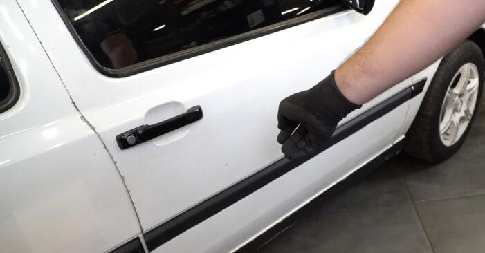 Tausch Tutorial Fensterheber am VW GOLF III (1H1) 1995 wechselt - Tipps und Tricks