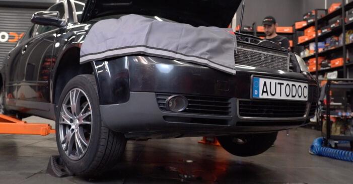 Audi A4 B6 Avant 2.5 TDI quattro 2002 Anti Roll Bar Links replacement: free workshop manuals