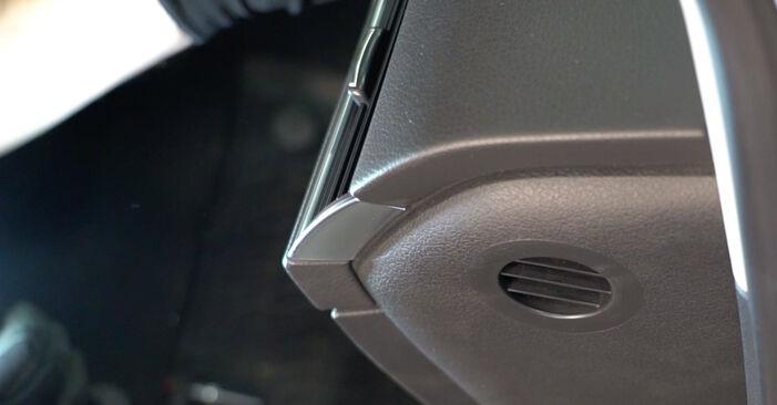 Wie man Innenraumfilter beim Audi A6 4f2 2004 wechselt - Gratis PDF- und Video-Tutorials