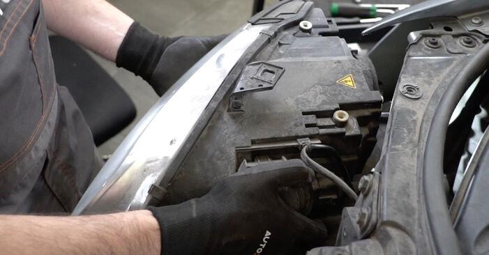 Как се сменя Комплект зъбен ремък на AUDI A4 Седан (8EC, B7) 2.0 TFSI quattro 2007 самостоятелно