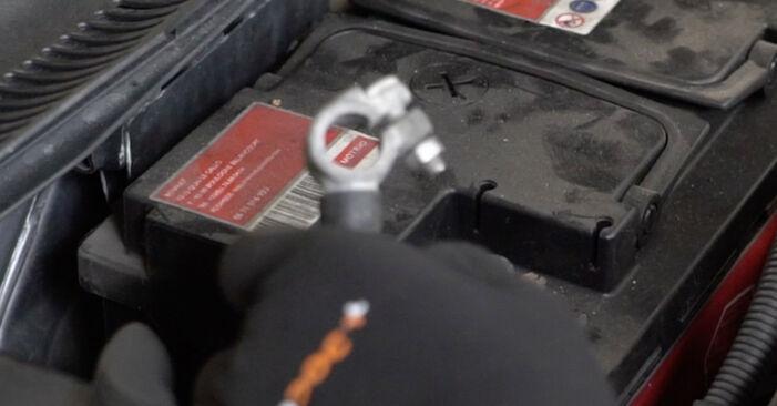 Смяна на Ауди А4 Б8 Седан 1.9 TDI 2006 Комплект зъбен ремък: безплатни наръчници за ремонт