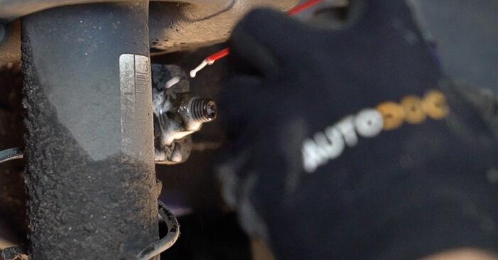 Recommandations étape par étape pour remplacer soi-même Peugeot 208 1 2016 1.0 Amortisseurs