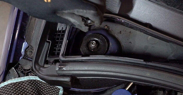 Changing Shock Absorber on PEUGEOT 208 I Hatchback (CA_, CC_) 1.6 BlueHDi 100 2015 by yourself