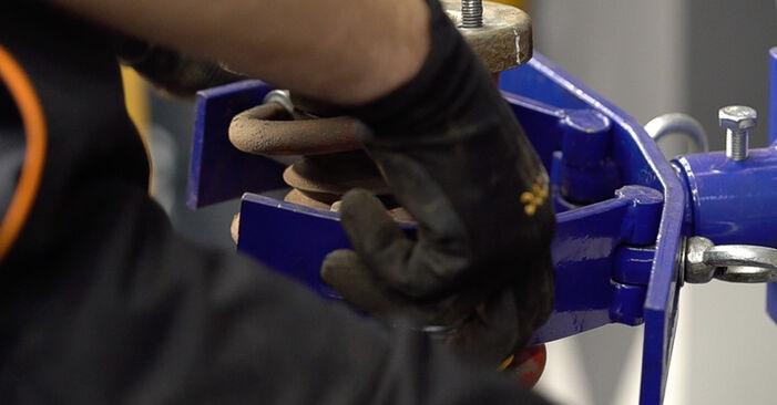 Stoßdämpfer am ALFA ROMEO 159 Sportwagon (939) 2.4 JTDM Q4 2010 wechseln – Laden Sie sich PDF-Handbücher und Videoanleitungen herunter