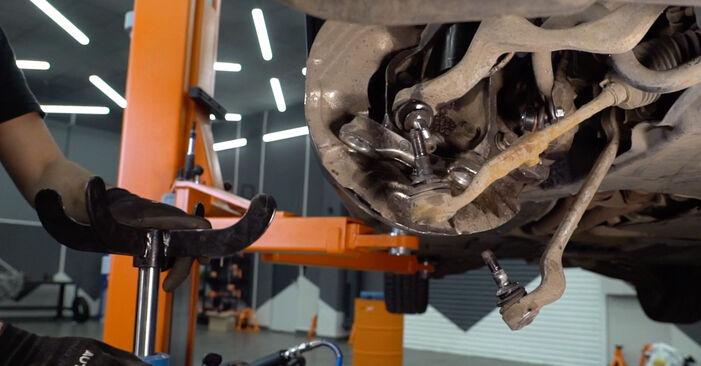 BMW 3 SERIES 335i 3.0 Stoßdämpfer ausbauen: Anweisungen und Video-Tutorials online