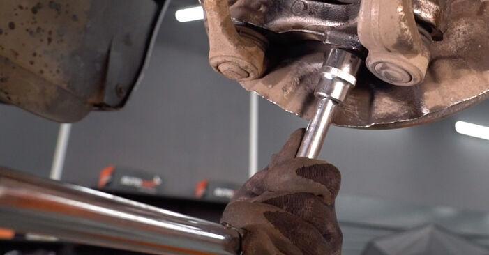 Zweckdienliche Tipps zum Austausch von Stoßdämpfer beim BMW 3 Coupe (E92) 335d 3.0 2010
