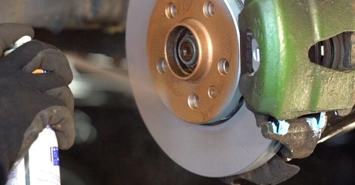 VW GOLF 2004 Амортисьор стъпка по стъпка наръчник за смяна