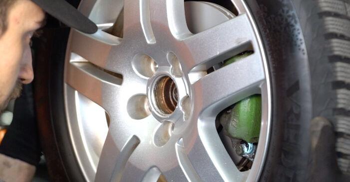 VW GOLF 1.9 TDI Stoßdämpfer ausbauen: Anweisungen und Video-Tutorials online