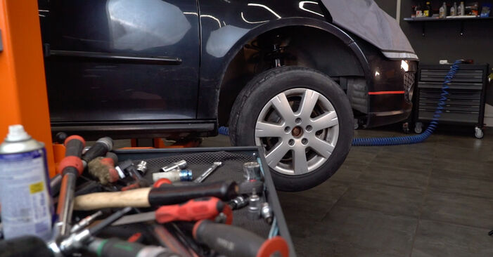 Replacing Shock Absorber on Golf 5 2006 1.9 TDI by yourself