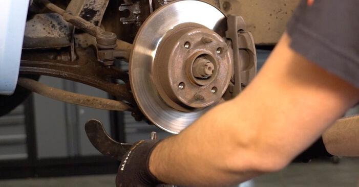 Sostituire Ammortizzatori su FIAT PUNTO (188) 1.3 JTD 16V 1999 non è più un problema con il nostro tutorial passo-passo