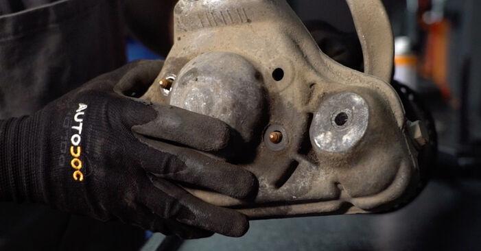 Jak vyměnit VW PASSAT Variant (3B6) 1.9 TDI 1997 Tlumic perovani - návody a video tutoriály krok po kroku.