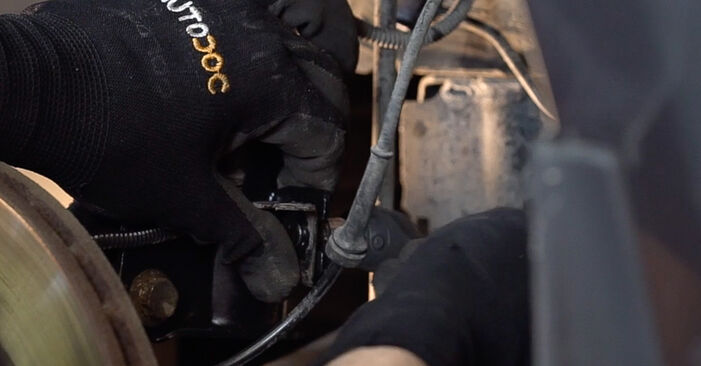 FIAT BRAVA 2013 Tlumic perovani návod na výměnu, krok po kroku