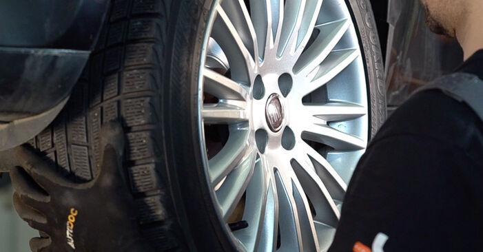 FIAT BRAVA 1.4 Tlumic perovani výměna: online návody a video tutoriály