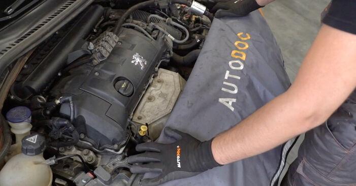 Kaip pakeisti PEUGEOT 207 (WA_, WC_) 1.4 HDi 2007 Uždegimo žvakė - išsamios instrukcijos ir vaizdo pamokos